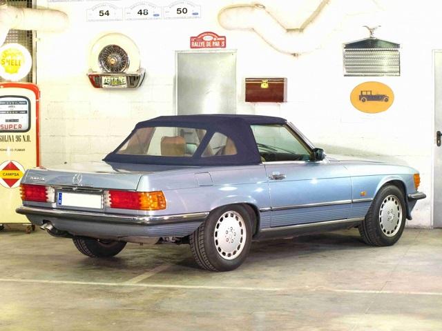 p0050 alquiler Mercedes 300 SL descapotable azul tras