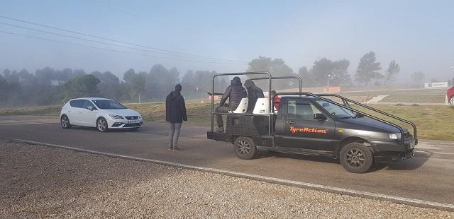 tyreaction alquiler camaracar cameracar seguimiento chase vehicle rent barcelona tracking 1