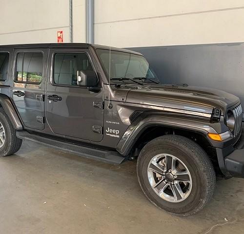 P0179 alquiler Jeep Wrangler barcelona gris lat