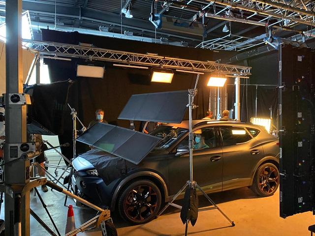 tyreaction precision driver anuncio cupra formentor scorpio russian arm carcare barcelona vehículos para cine messi fcb publicidad