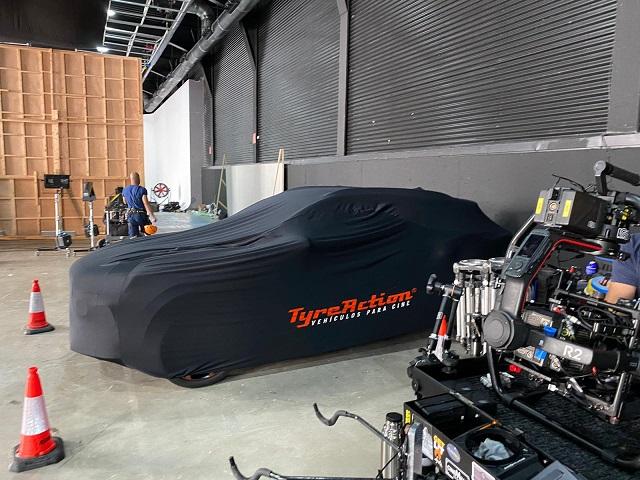 tyreaction precision driver anuncio cupra formentor scorpio russian arm carcare barcelona vehículos para cine protección cover